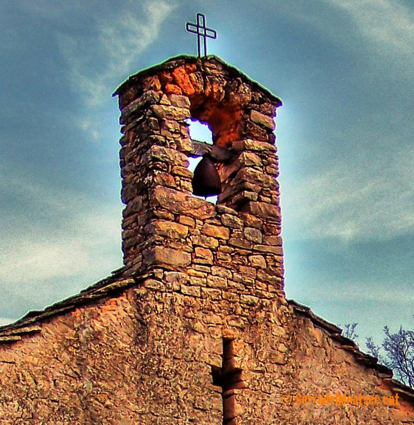 Antiga campana d'Obús de l'església de Sant Bartomeu de la Vall d'Ariet. Artesa de Segre. La Noguera, Lleida. Catalunya, Montsec de Rúbies (o de Meià).
