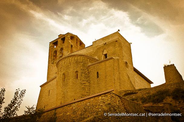 Castell i Canònica de Sant Pere. Àger, La Noguera. Catalunya, Montsec d'Ares.