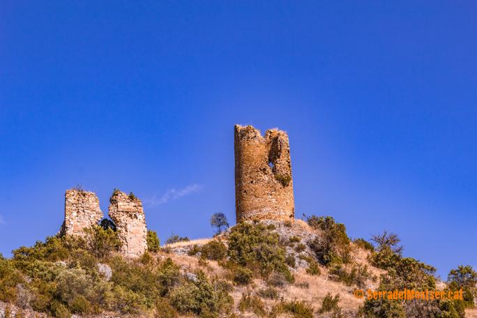 Castell de Falç i l'antiga església de Sant Just i Sant Pastor de Falç. Tolba, Ribagorça. Osca, Aragó. Montsec de d'Estall.