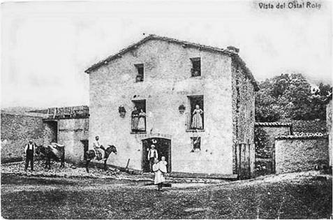 L'antic Hostal Roig, ja al Pallars Jussà i encara dempeus, que es troba a mig camí entre la Coma de Meià i els pobles de la Vall de Barcedana. Montsec de Rúbies.