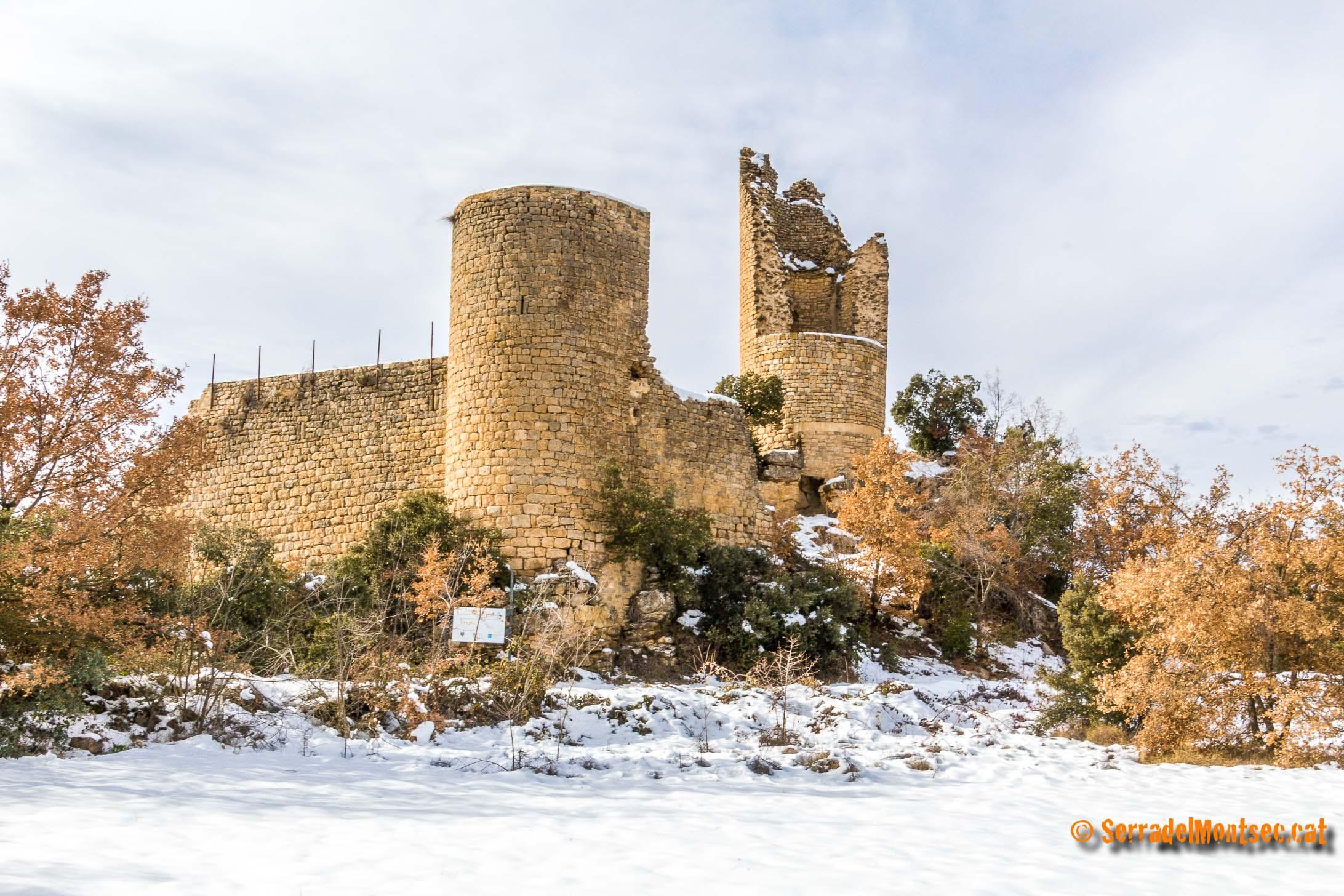 Castell de Sant Gervàs a Sant Miquel de la Vall. Gavet de la Conca, Pallars Jussà. Lleida, Catalunya. Vall de Barcedana. Montsec de Rúbies.