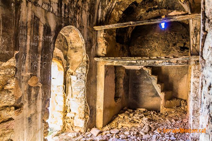 Interior de l'ermita de Santa Anna de Montado. Isona i Conca Dellà, Pallars Jussà. Lleida, Catalunya. Montsec de Rúbies (o de Meià).