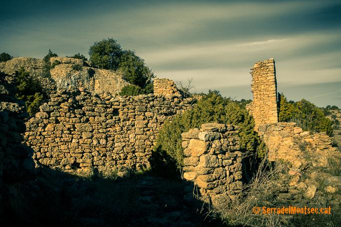 Restes del despoblat de Montadó, Isona i Conca Dellà. Pallars Jussà, Lleida. Catalunya. Montsec de Rúbies (o de Meià).