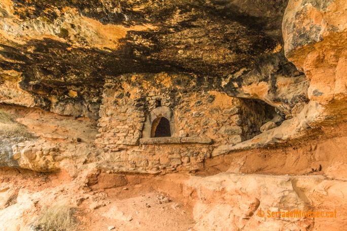 Forn obrat a les Balmes de Gramenet en perfecte estat de conservació. Montadó, Isona i Conca Dellà. Pallars Jussà, Lleida. Catalunya, Montsec de Rúbies (o de Meià).
