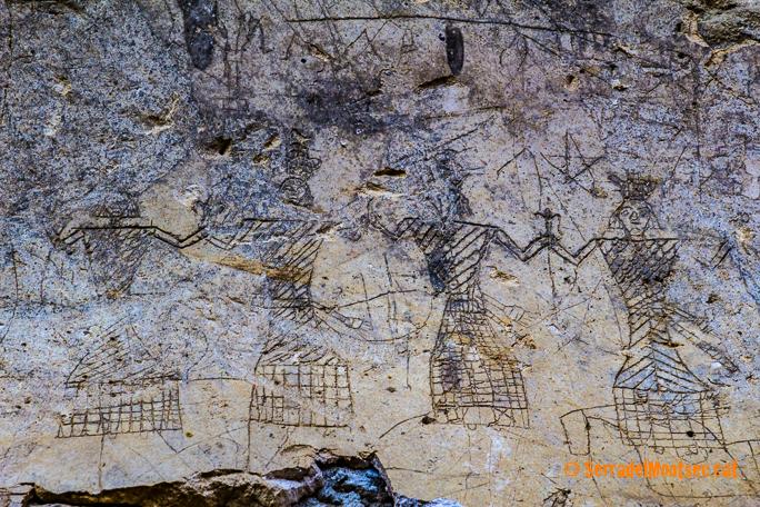 Representació de figures en posició de dança a les restes de guix del Castell d'Oroners. Camarasa, La Noguera. Lleida, Catalunya. Montsec d'Ares.