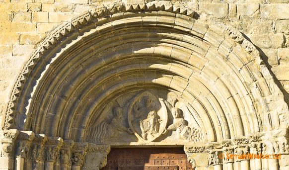 Portalada de l'església de Mare de Déu de Baldós, Montanyana. Ribagorça. Osca, Aragó. Montsec de l'Estall.