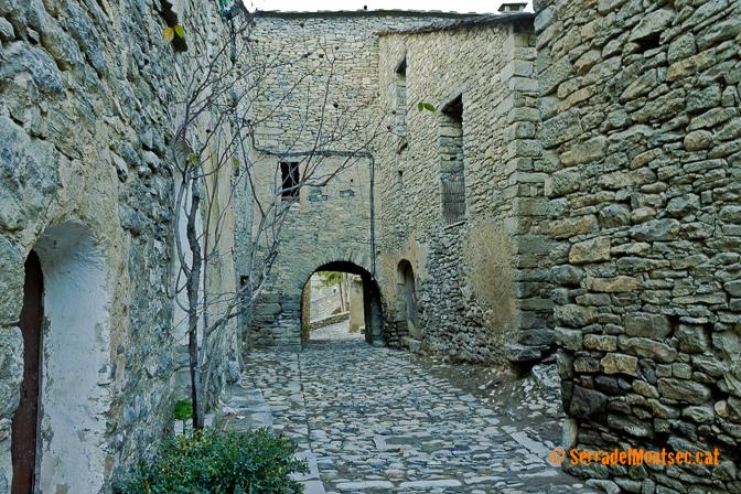 Un dels portals d'accés a Montanyana, Ribagorça. Osca, Aragó. Montsec d'Estall.