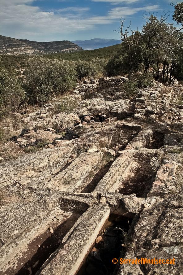 Necròpolis i restes de l'església de Sant Martí de les Tombetes, Moror. Sant Esteve de la Sarga, Pallars Jussà. Lleida, Catalunya. Montsec d'Ares.