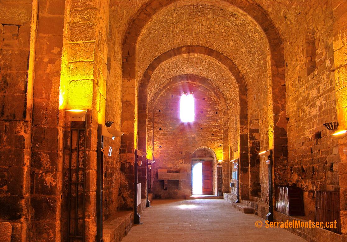 Interior del temple de Sant Pere de Ponts. Ponts, La Noguera. Lleida, Catalunya. Montsec